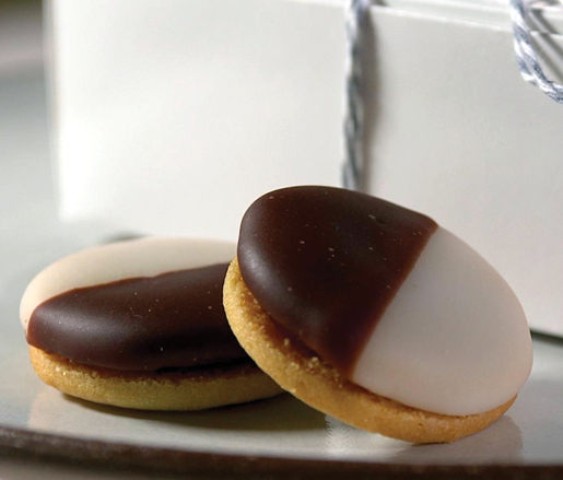 Savory black-and-white cookies at Eleven Madison Park (photo by Thomas Krakowiak)