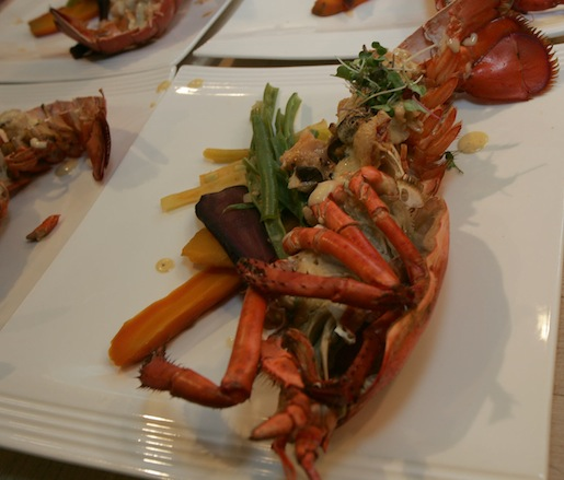 A Revolutionary Dish > Old-School Lobster Thermidor with Braised Sweet Carrots and Green Beans