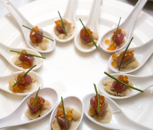 Tonno, Fagioli Cannellini, e Cipolla di Certaldo > Tuna, Cannellini Beans, and Certaldo Onions