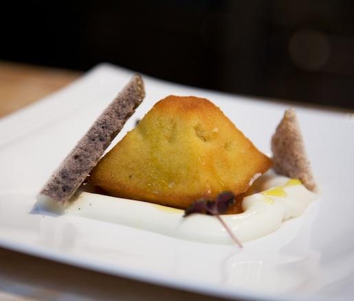 Ravani > Semolina Cake with Olive Oil and Kumquats
