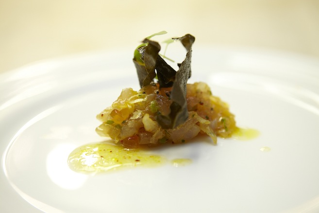 Sake and Seaweed–Cured Tai Snapper Tartare with Shaved Scallions, Fried Dulse, and Citronette