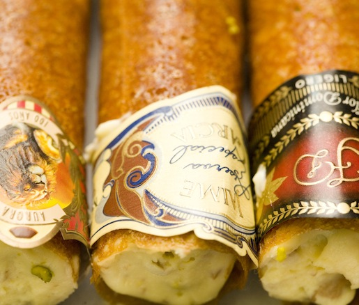 Cigar in an Ashtray > Modern-Style Ricotta Cheese Cannoli