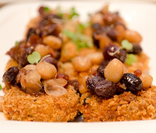 Crispy Pigs' Tails with Heirloom Controne Beans