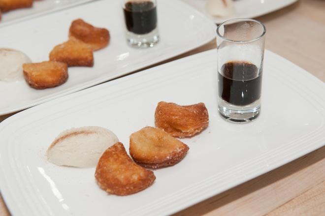 Gelato Nikko > Vanilla Gelato with Sugared Doughnuts and Espresso Shot