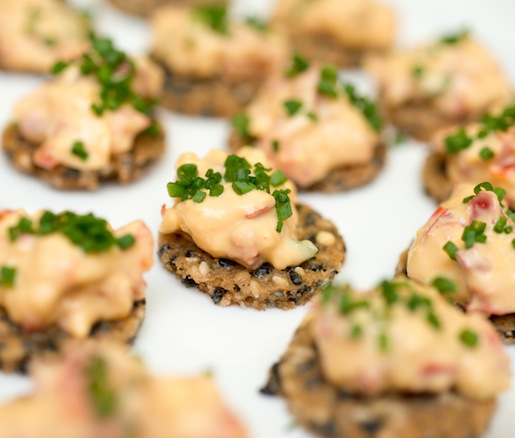 Benne Crackers with Pimento Cheese
