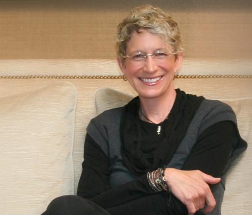 Host Victoria Price