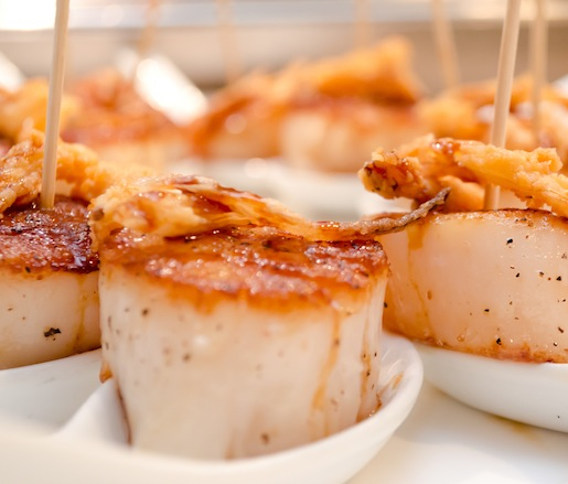Roasted Scallops with Onions and Pomegranate
