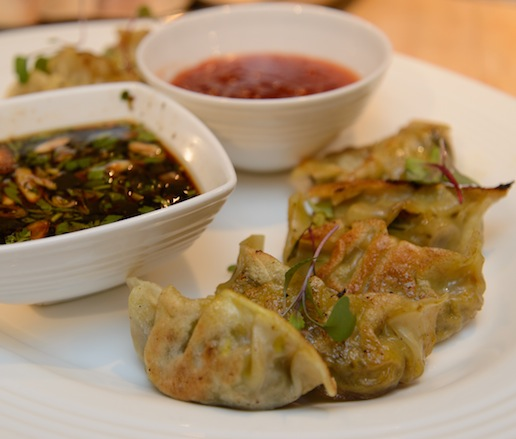 Pangsit > Crispy Wontons with Sweet-and-Spicy Sambal Sauce
