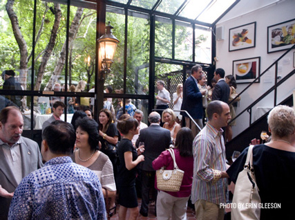 Guests mingle before dinner at the Beard House.