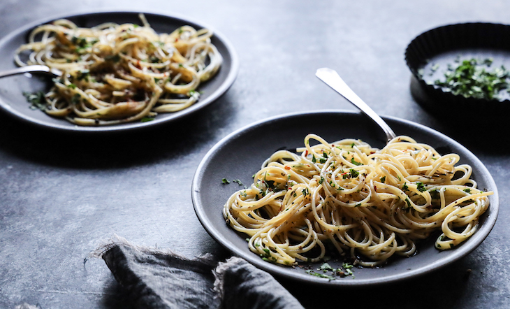 Spaghetti con Aglio e Olio Photo and Styling Judy Kim