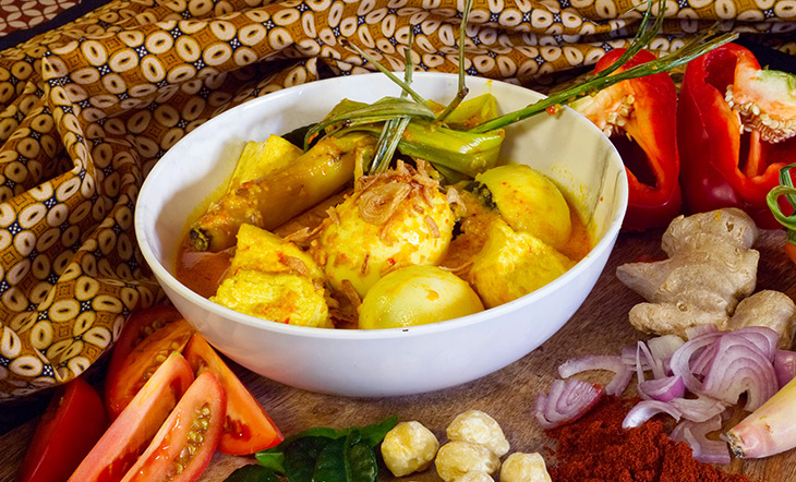 Egg Tofu Curry by Hardena photo by Dante Hinson